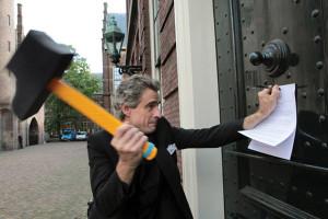 Joep_Oomen_VOC-protest-Den_Haag_13092010_foto_Juriaan_Brobbel-768x512