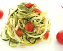 Bohnenfrikadellen mit Hanf und Zucchininudeln