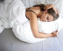 Mit CBD in einem Bett